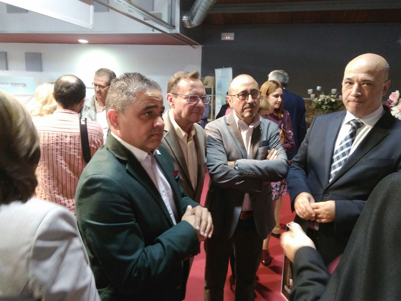 Momentos de la inauguración con autoridades provinciales.